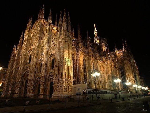 milano-castlenight