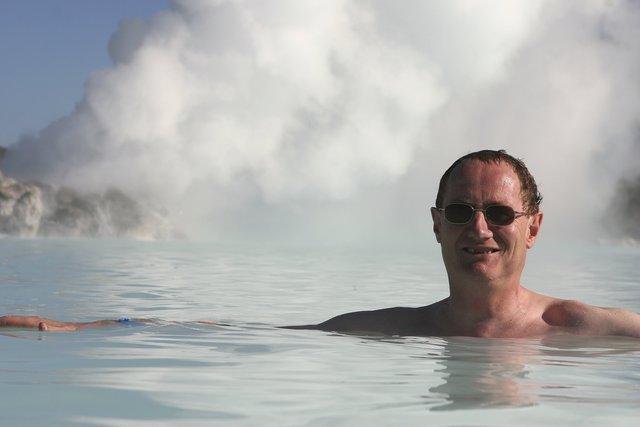 iceland-swimming