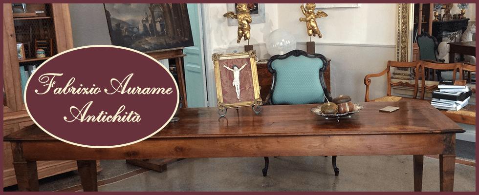 Tavoli e sedie antiche