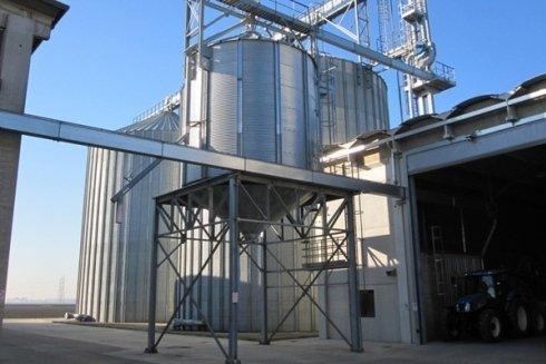Impianto di stoccaggio e carico dei cereali.