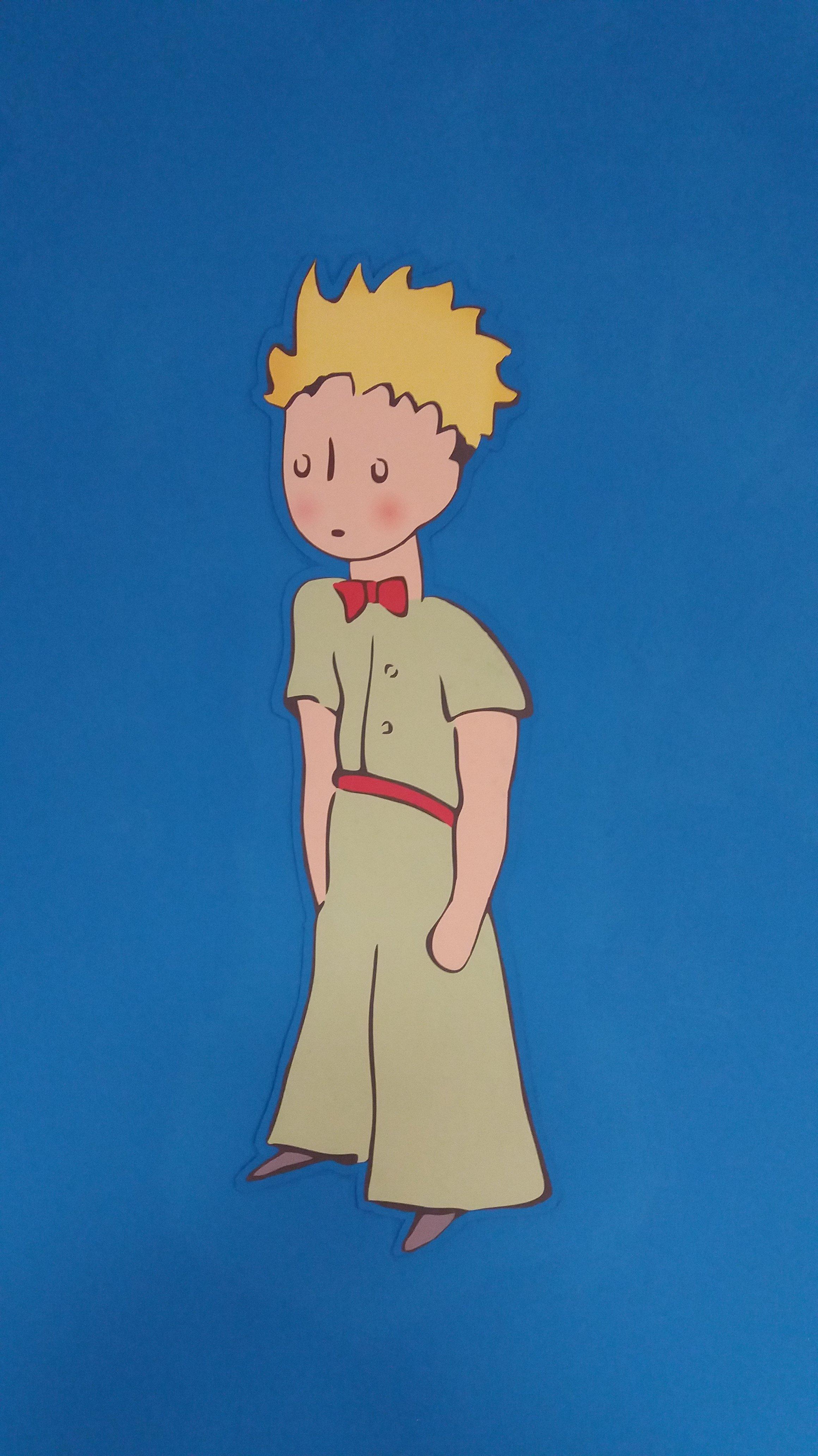un disegno di un bambino su sfondo azzurro