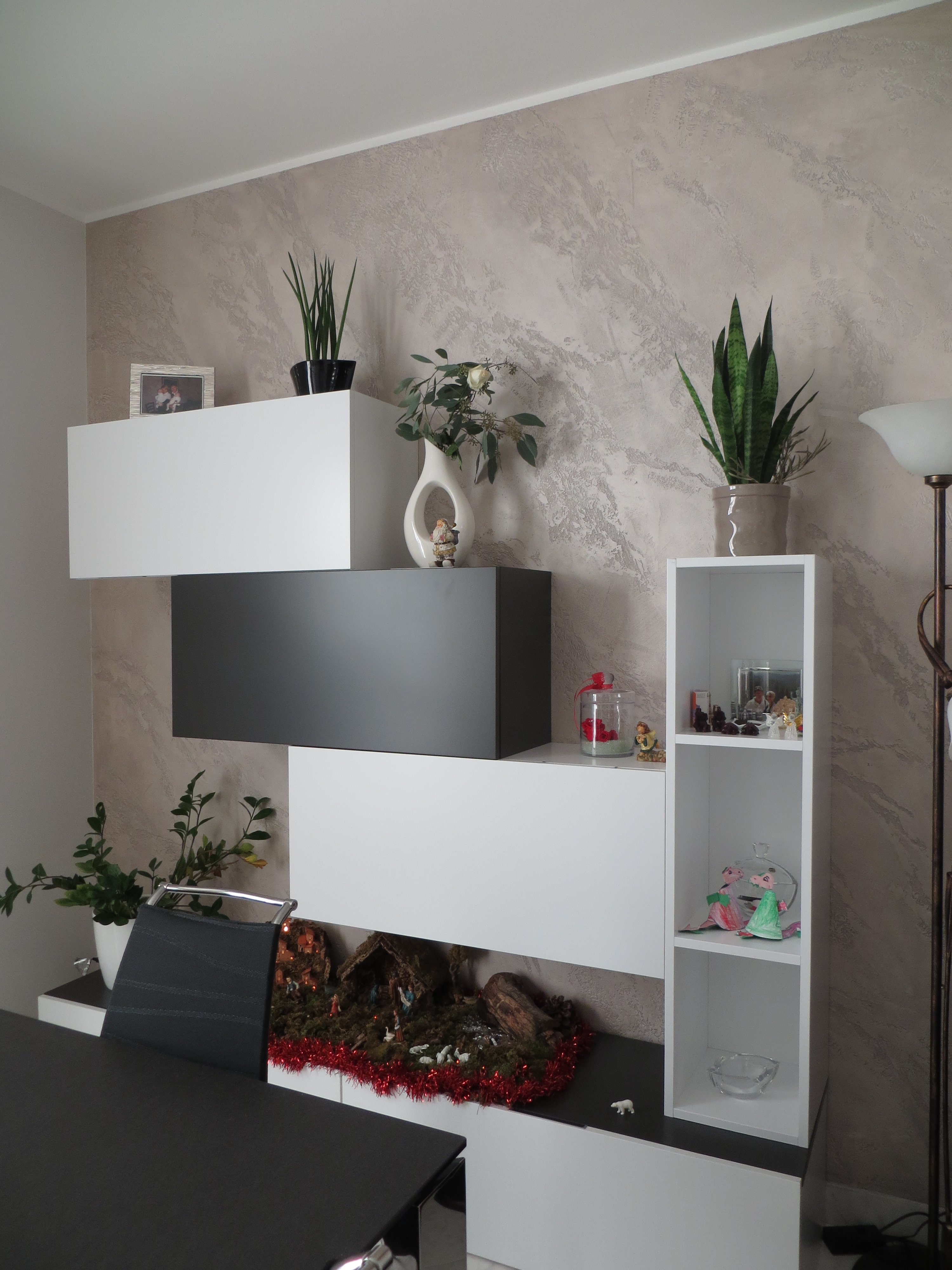 parete attrezzata in salotto