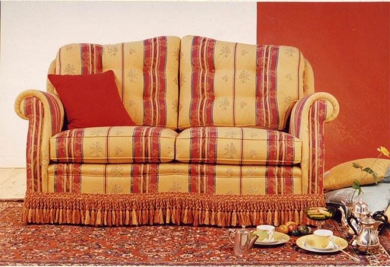 Fixed lining sofa model Oriente