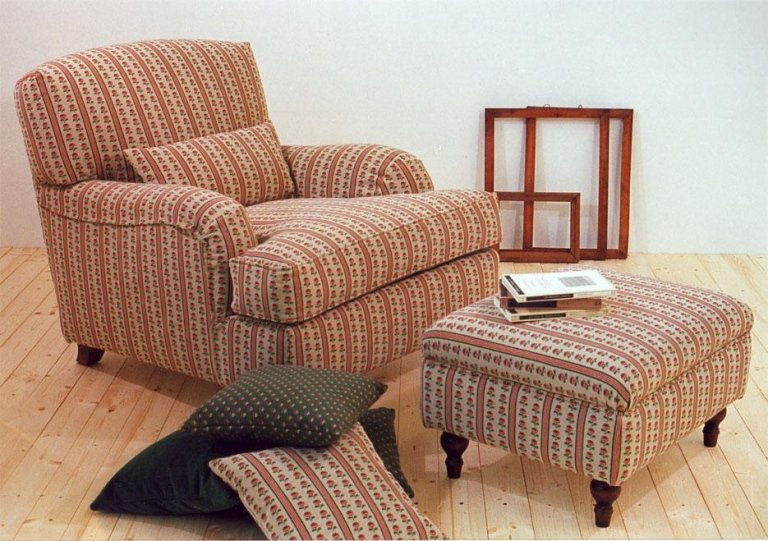Removable lining armchair model Country