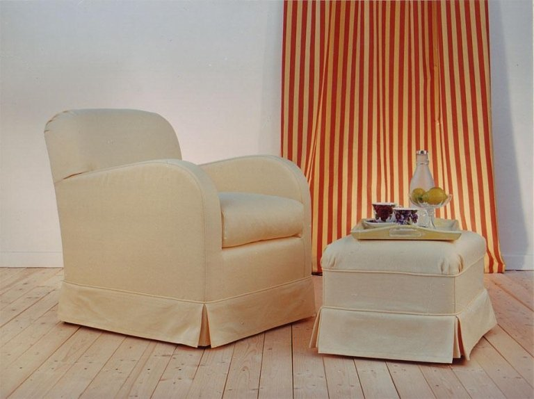 Removable lining armchair model Capri