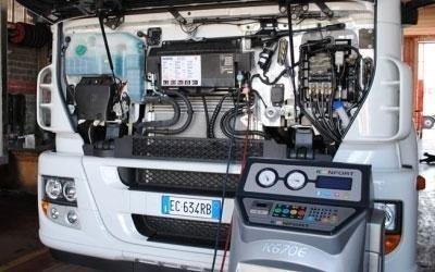 controllo motore camion