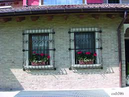 finestra con inferriata di sicurezza