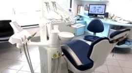 poltrona dentista, monitor