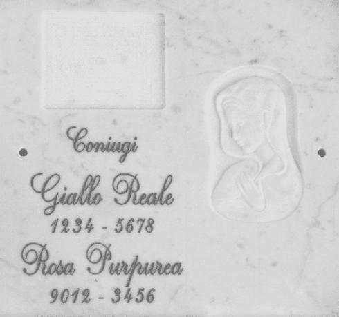 Ossario con scasso per fotoceramica bassorilievo volto di Madonna, epigrafe incisa.