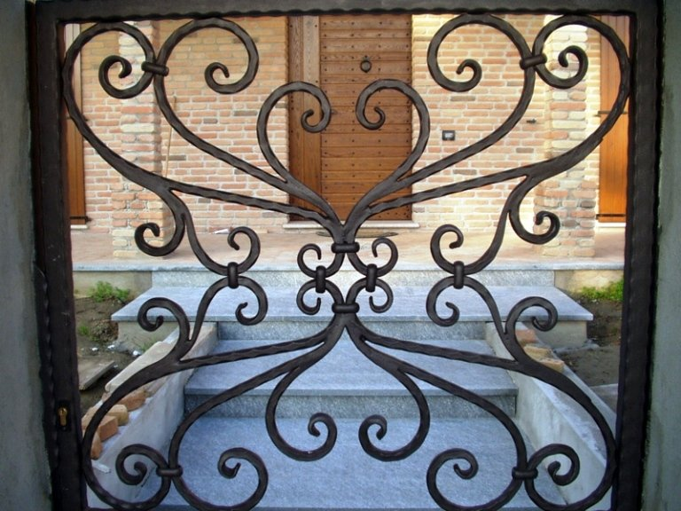 ornamenti-in-ferro-battuto