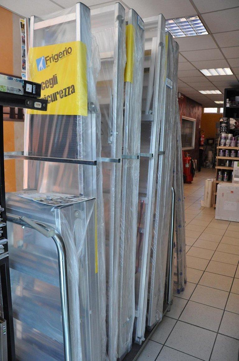 scale e attrezzature a marchio FRIGERIO