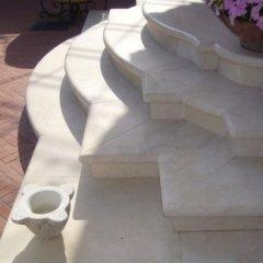 Navona Augusto Appia Nuova Main Entrance steps