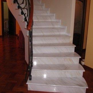 scalinata Calacatta