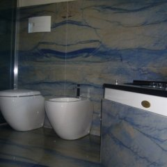 Azul Macaubas Master Bathroom