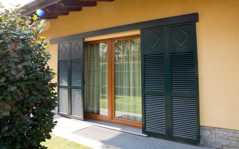 Porta finestra in legno e alluminio