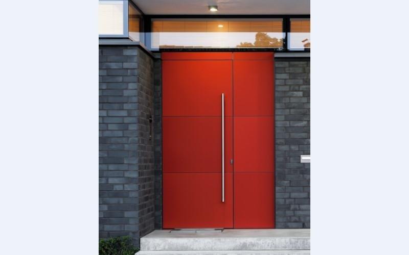 Porta ingresso rossa sondrio