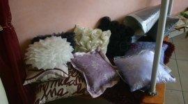 cuscini, corredi, coperte, piumoni, tende, complementi d'arredo,