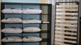 cuscini, rete per letto, corredi, complementi d'arredo,