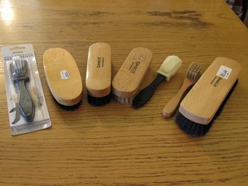 Polishes and brushes