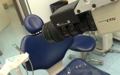 telecamera su poltrona dentista a scopo didattico