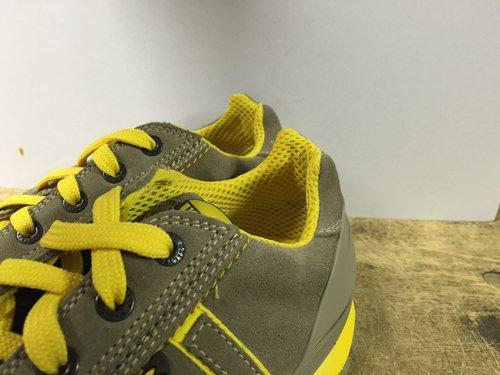 Dettaglio scarpe anti-infortunistica