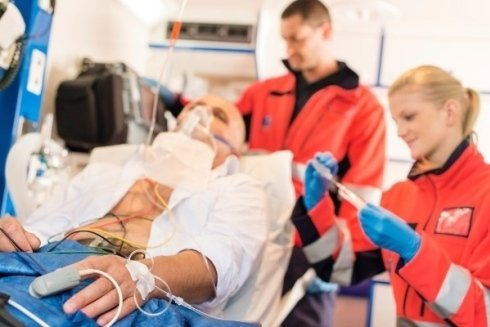 la struttura dispone di ambulatorio per il pronto soccorso