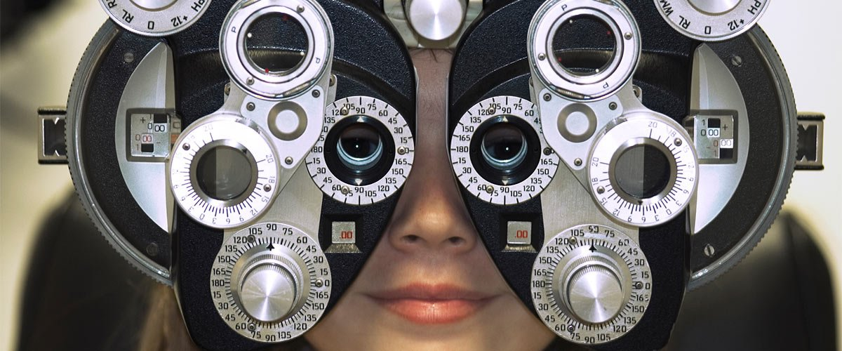 east st kilda eye clinic eye examining using machine