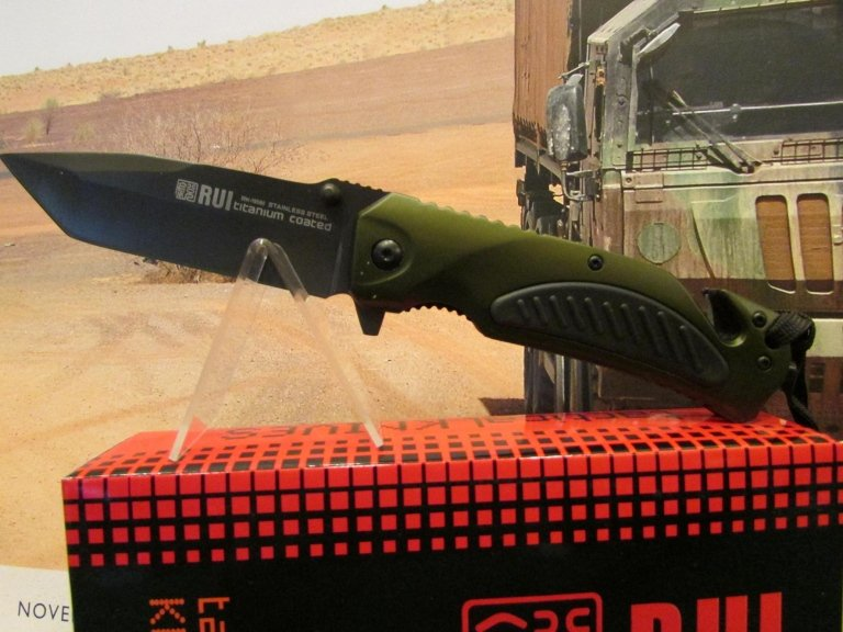 C-RU coltello Rui verde lama piana taglia cinghie frangivetro
