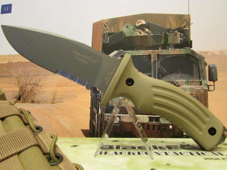 C-FX coltello black fox tactical desert con fodero MOLLE
