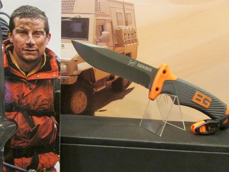 C-BG coltello bear grylls gerber survival con fodero fischietto acciarino