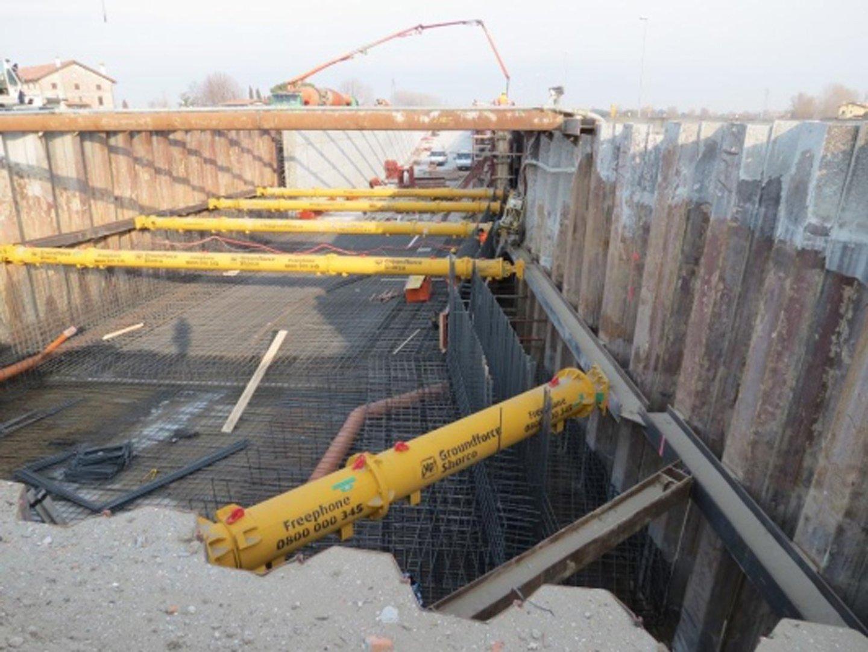 costruzione fondamenta di un edificio