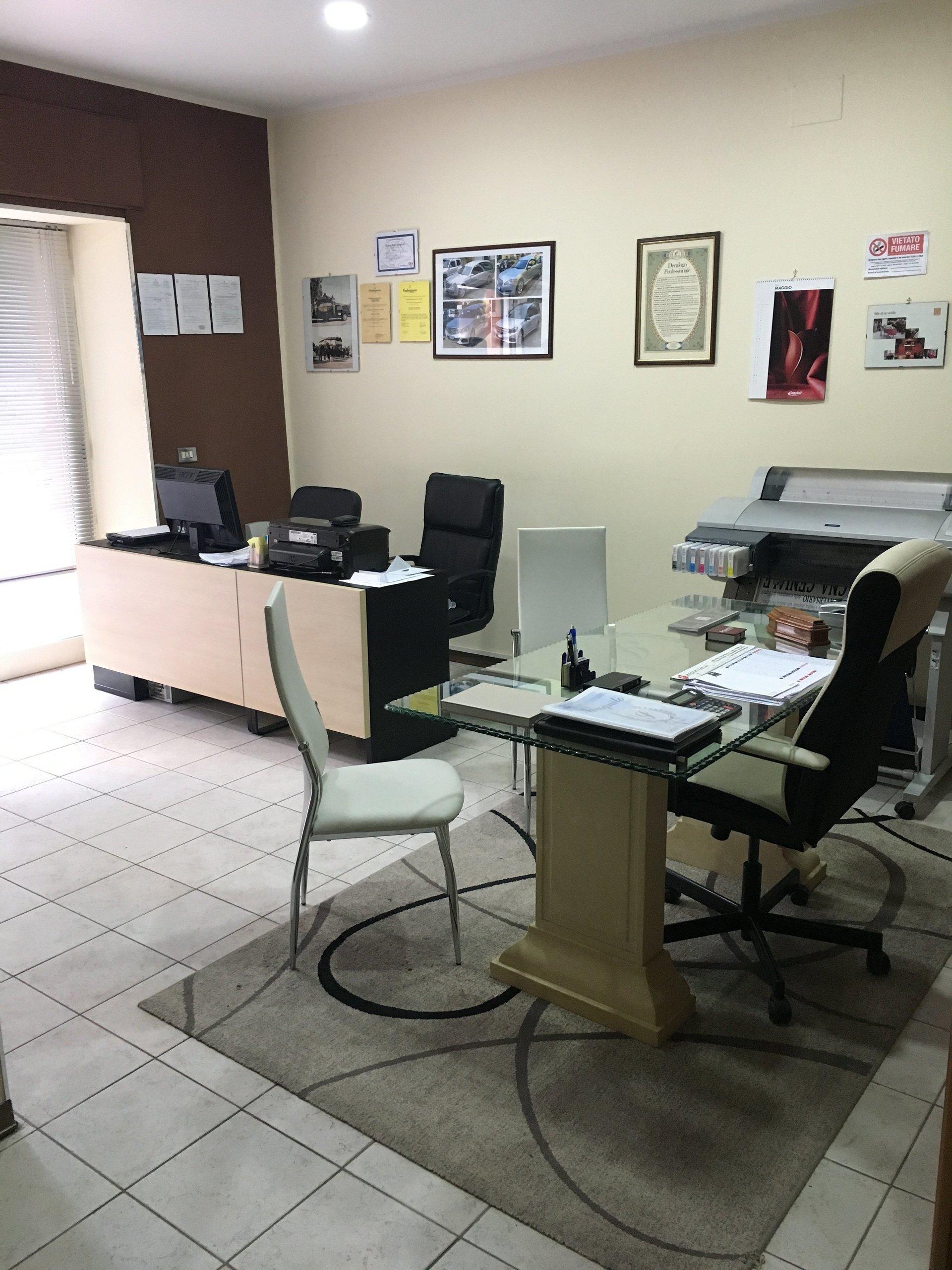 uffici interni di agenzia funebre di Enna