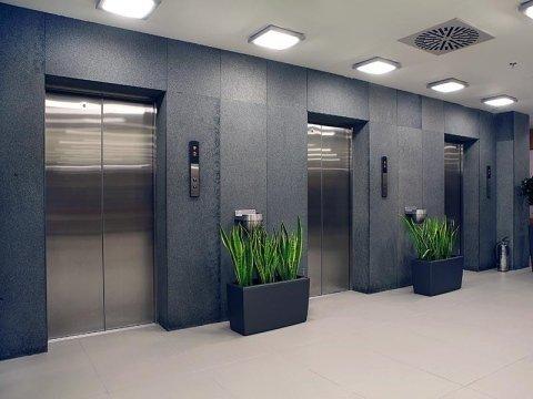 montacarichi ed elevatori