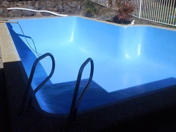 Restoration work on the pool with cracks completed