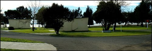 Side view of the house at the Lake colac holiday