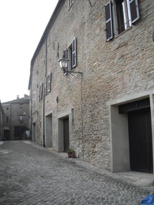 Ristrutturazione post-sisma del centro storico di Castiglioni