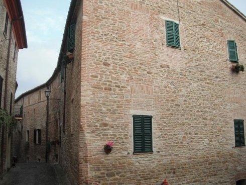 Ristrutturazione post-sisma centro storico Castiglioni