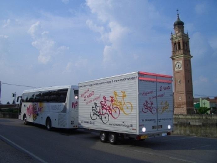 rimorchio per autobus