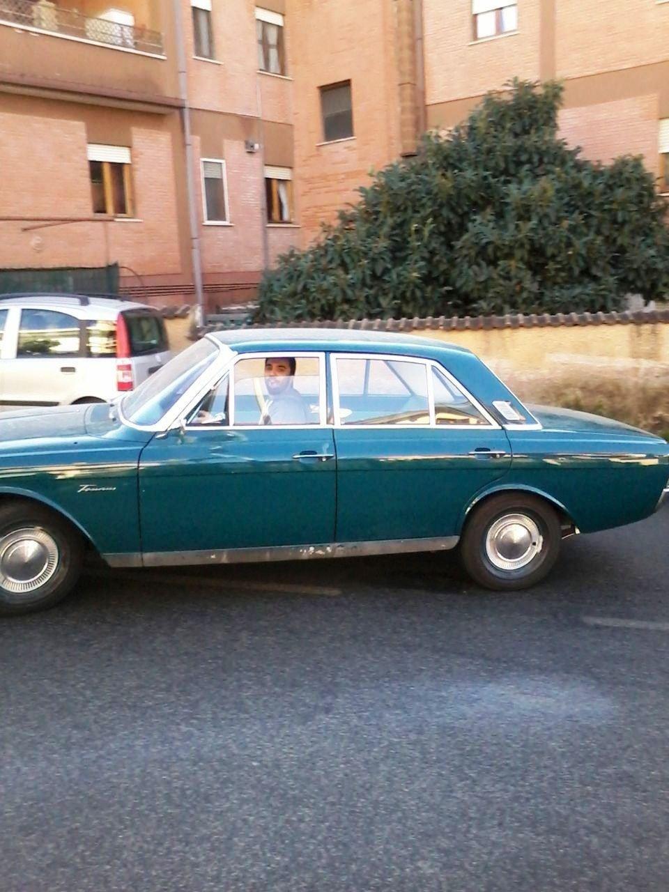 Ford Taunus non restaurata