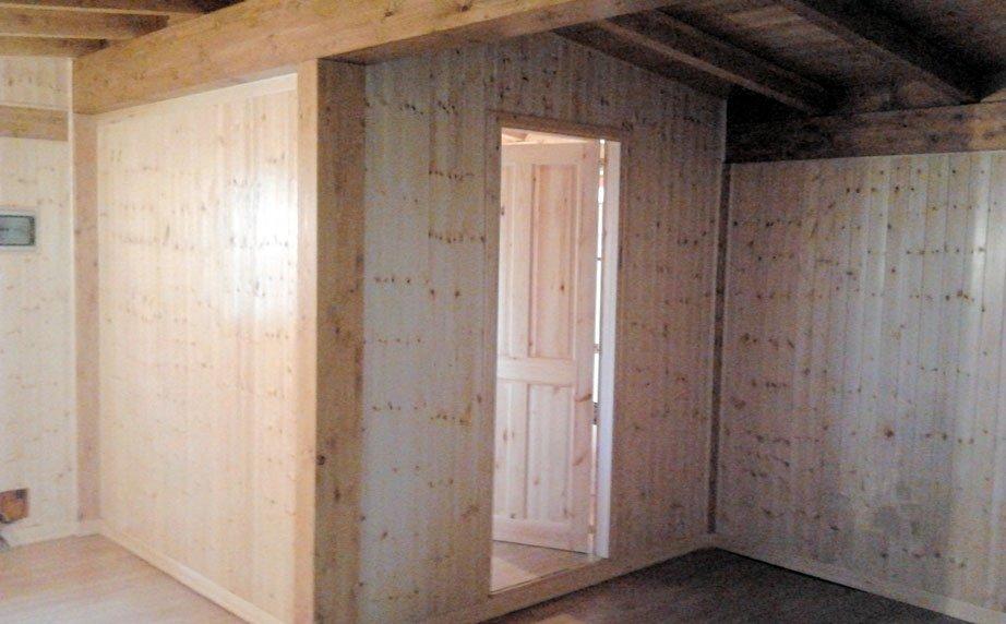 Interno casetta in legno