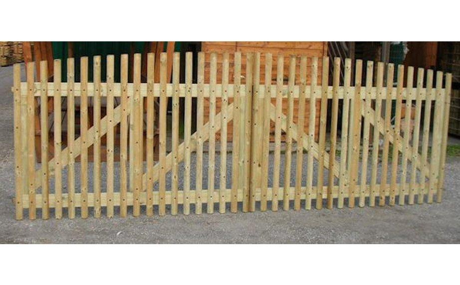 Cancello in legno di castagno