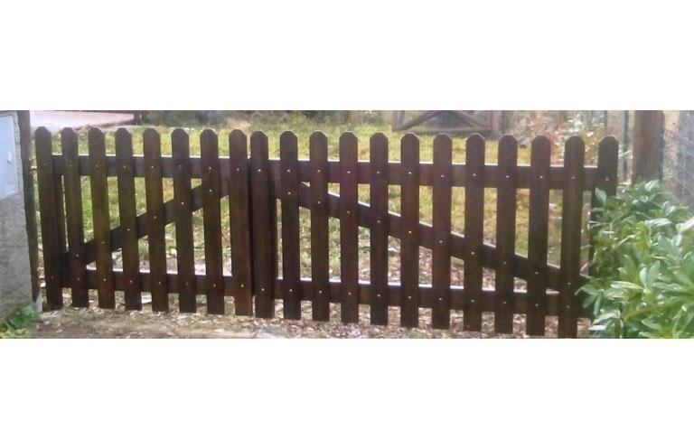Cancello in pino