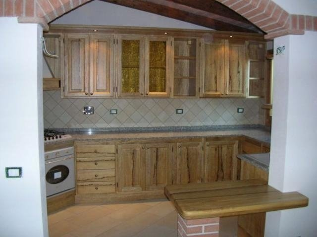 Cucine in legno, mobili in legno