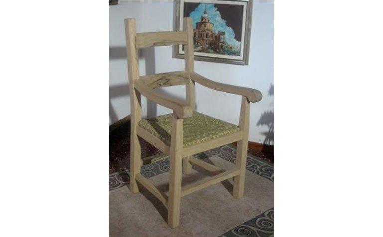 Costruzione sedia in legno