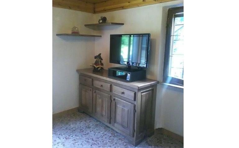 Porta tv in legno massello