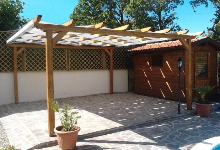 costruzione pergolati e tettoie
