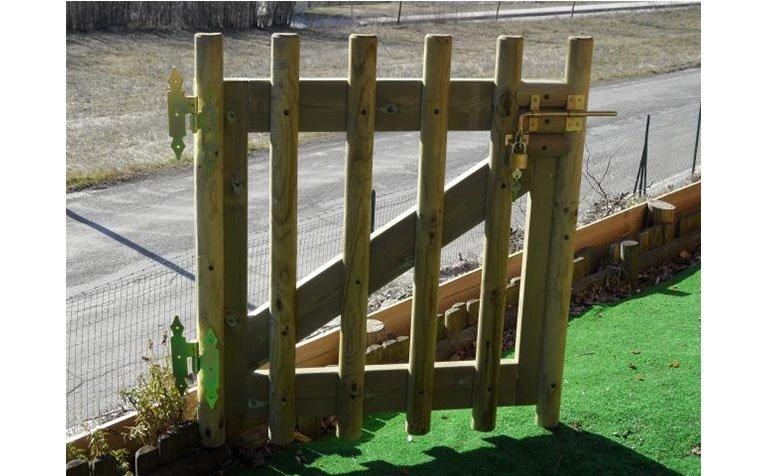 Cancello in legno di pino in autoclave