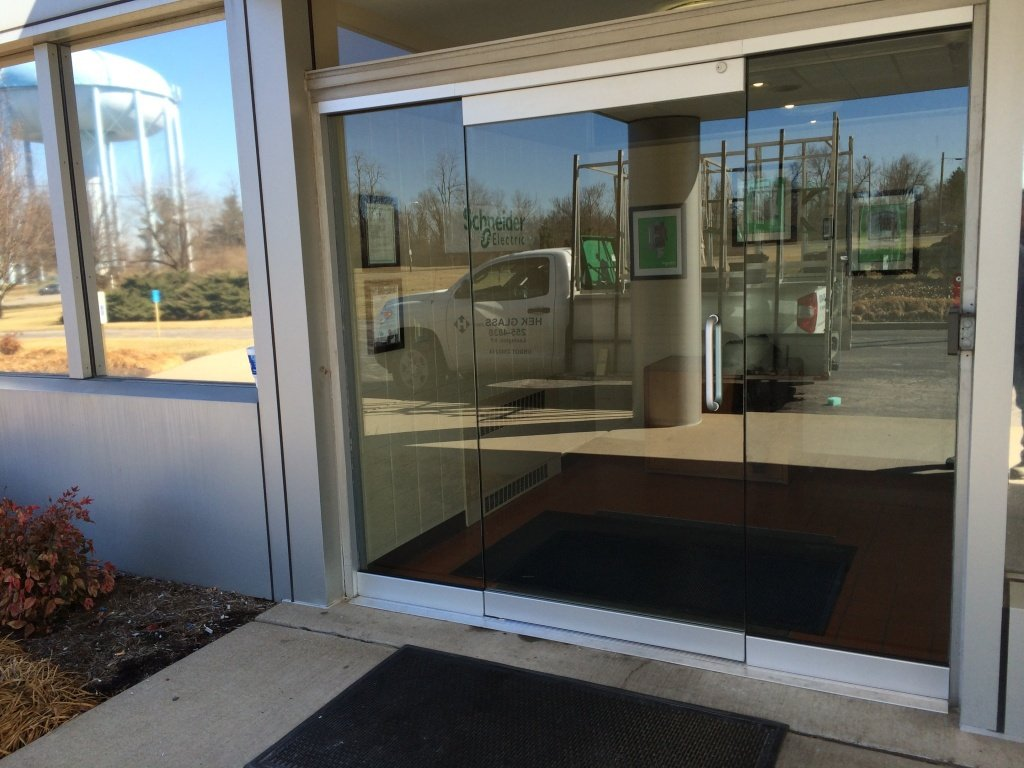 Schnieder Electric - Heavy Glass in Lexington, KY