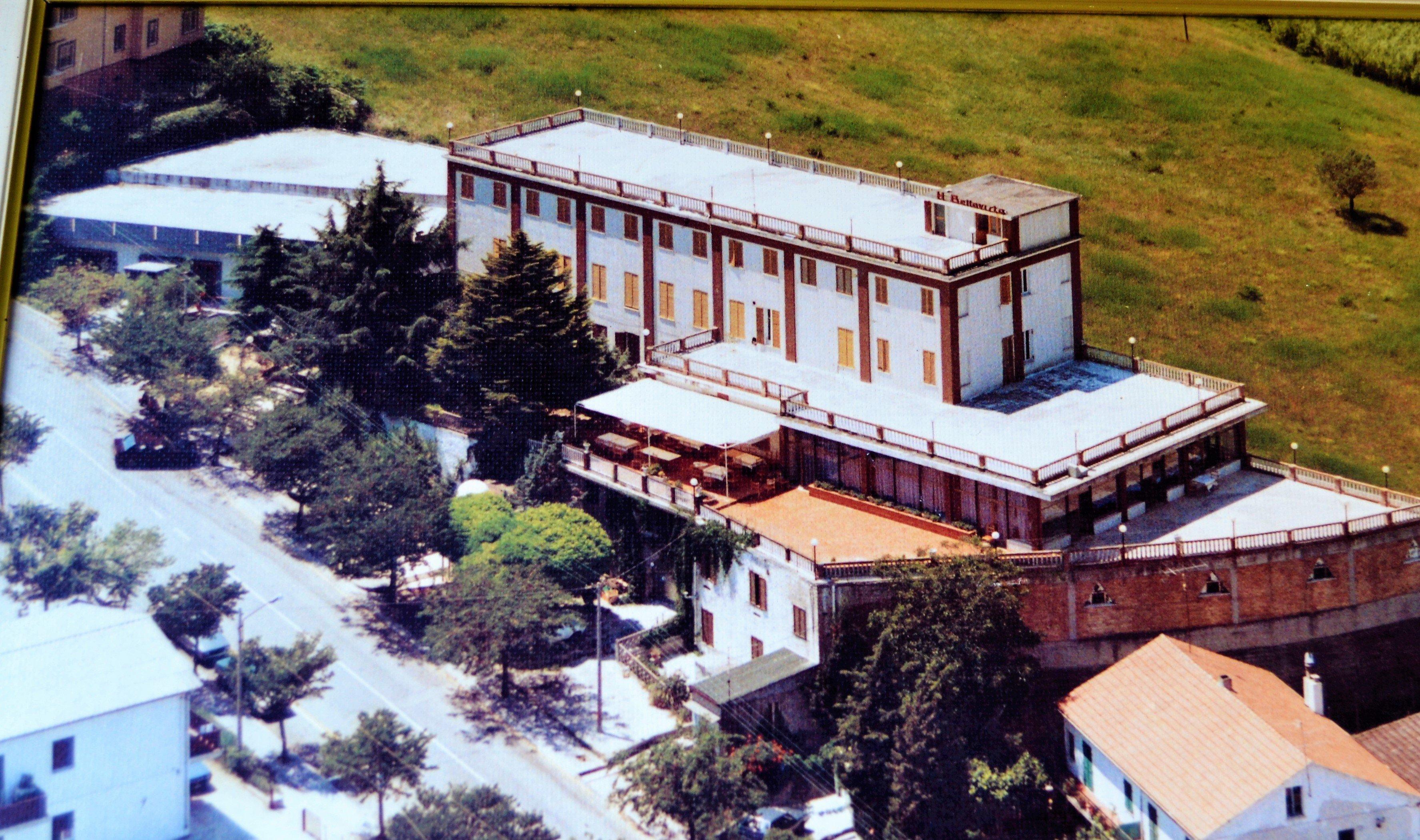 hotel in una foto storica