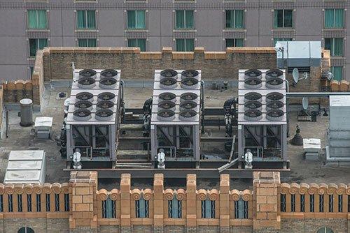 commercial hvac/r setup on rooftop